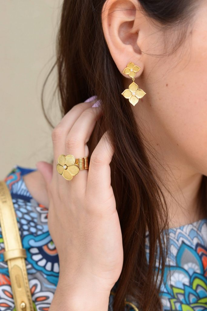 Gumuchian gold lotus earrings & daisy cycle ring