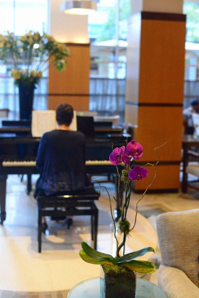 Hotel Giraffe NYC lobby