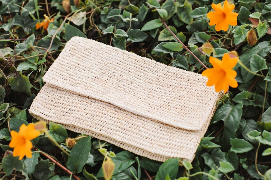 Raffia clutch - Heidi Wynne Edgartown clutch
