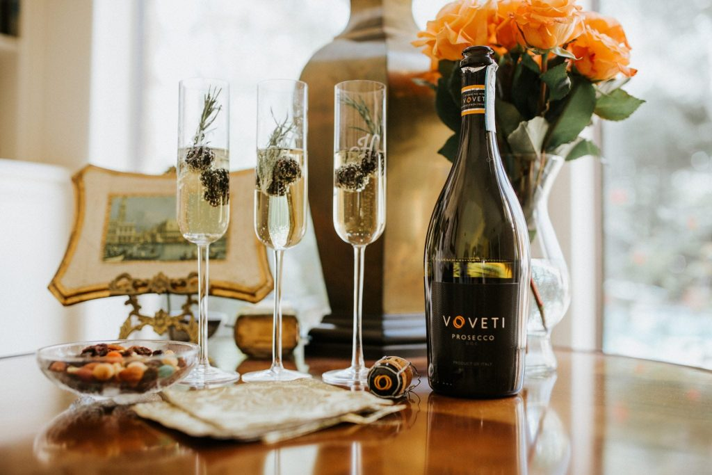 VOVETI is upscale and affordable, perfect for everyday pairing or chic entertaining with friends.