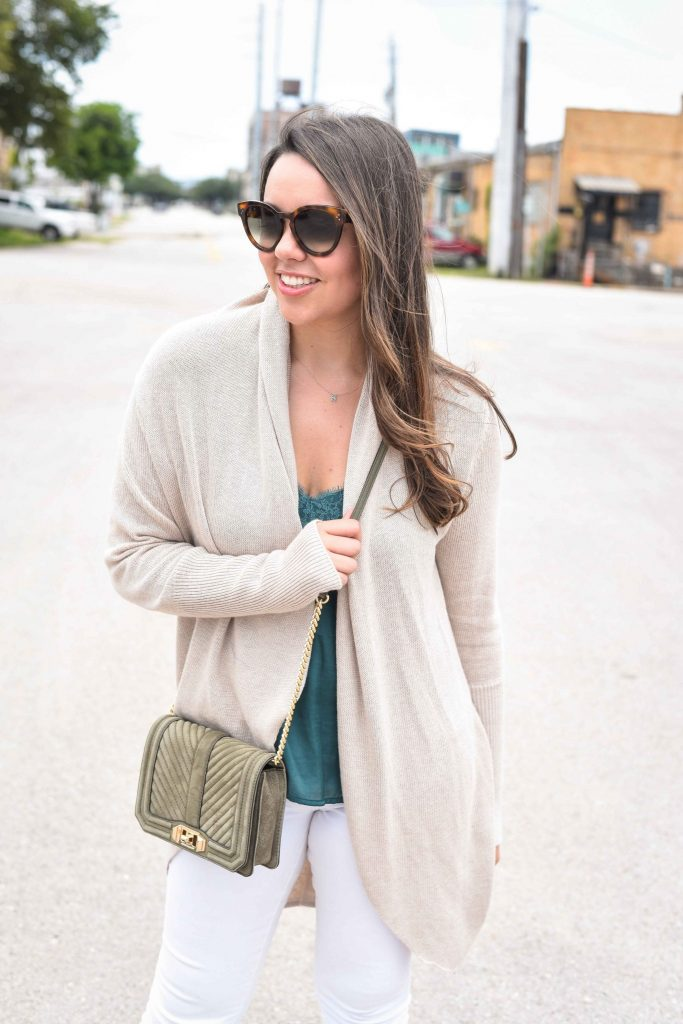 how to wear emerald green | neutral outfit ideas