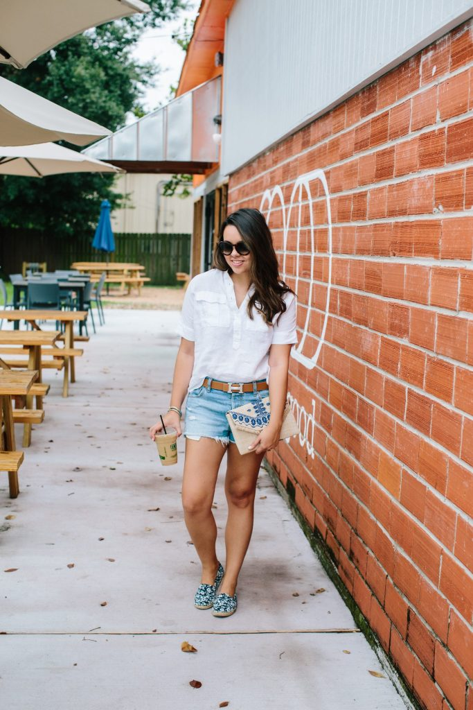 everyday casual outfit - cutoff jean shorts