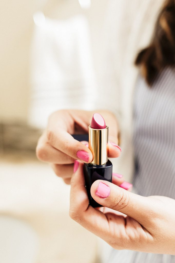 Bold lipstick color, fall lipstick shades you need