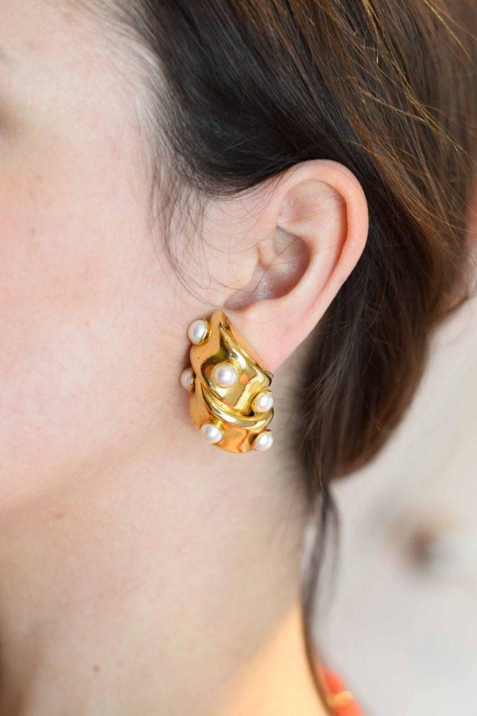 Vintage baguette pearl earrings via Cheeky Vintage
