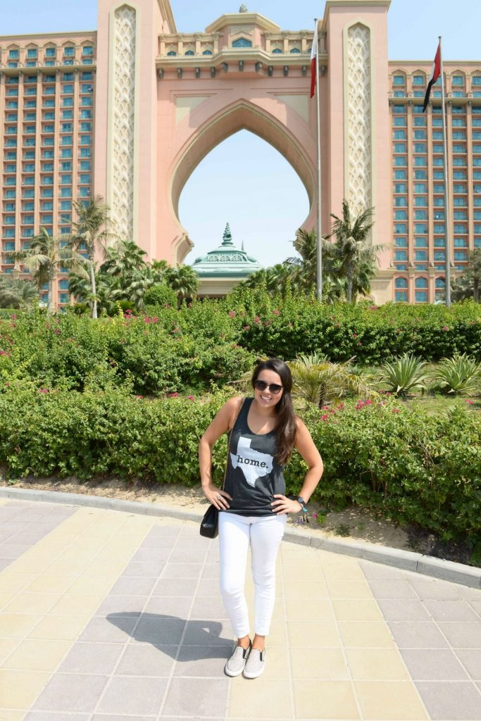 Texas lifestyle travel blogger in Dubai
