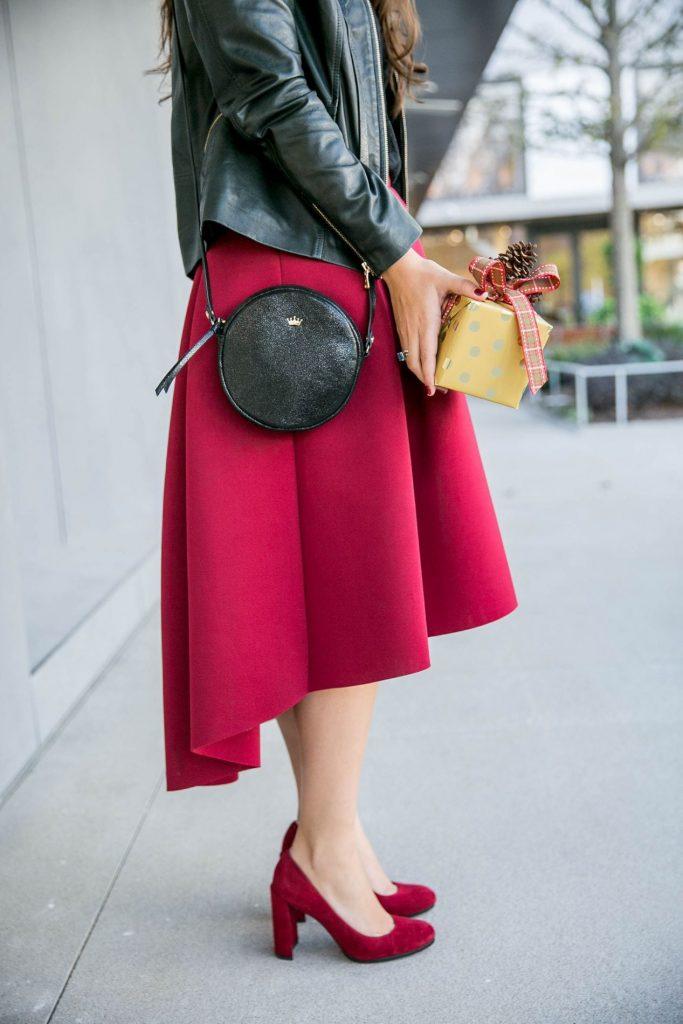 Elaine Turner black purse