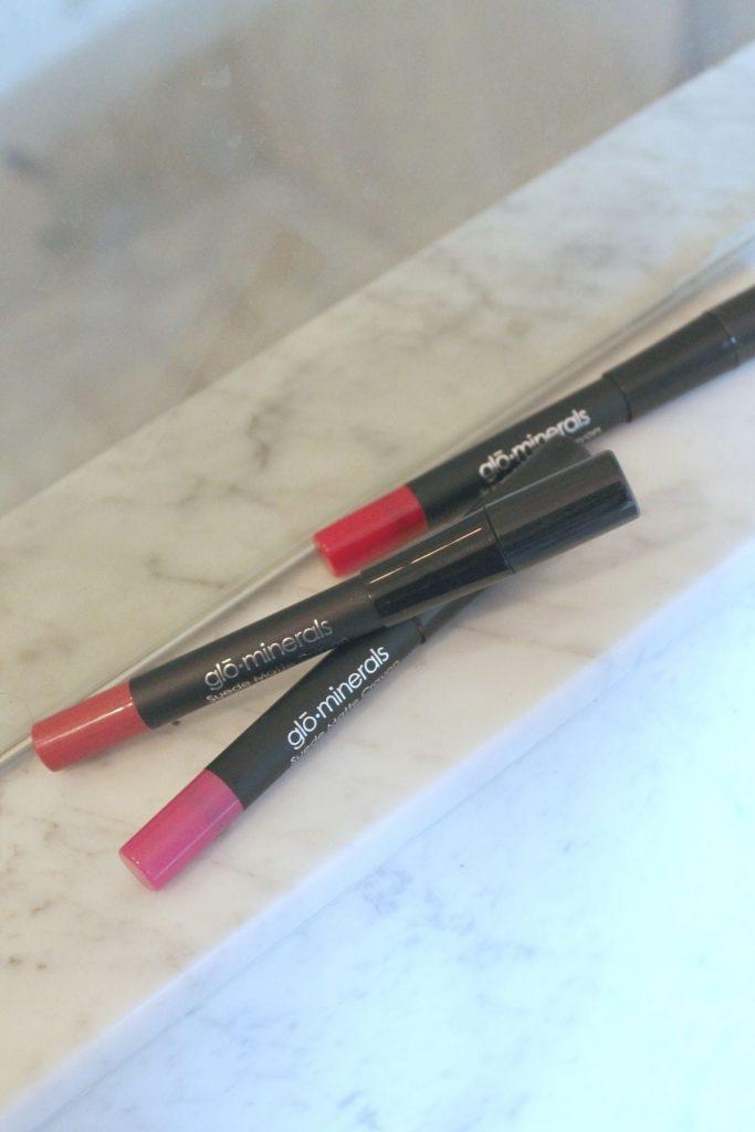 Glo Minerals suede matte crayon