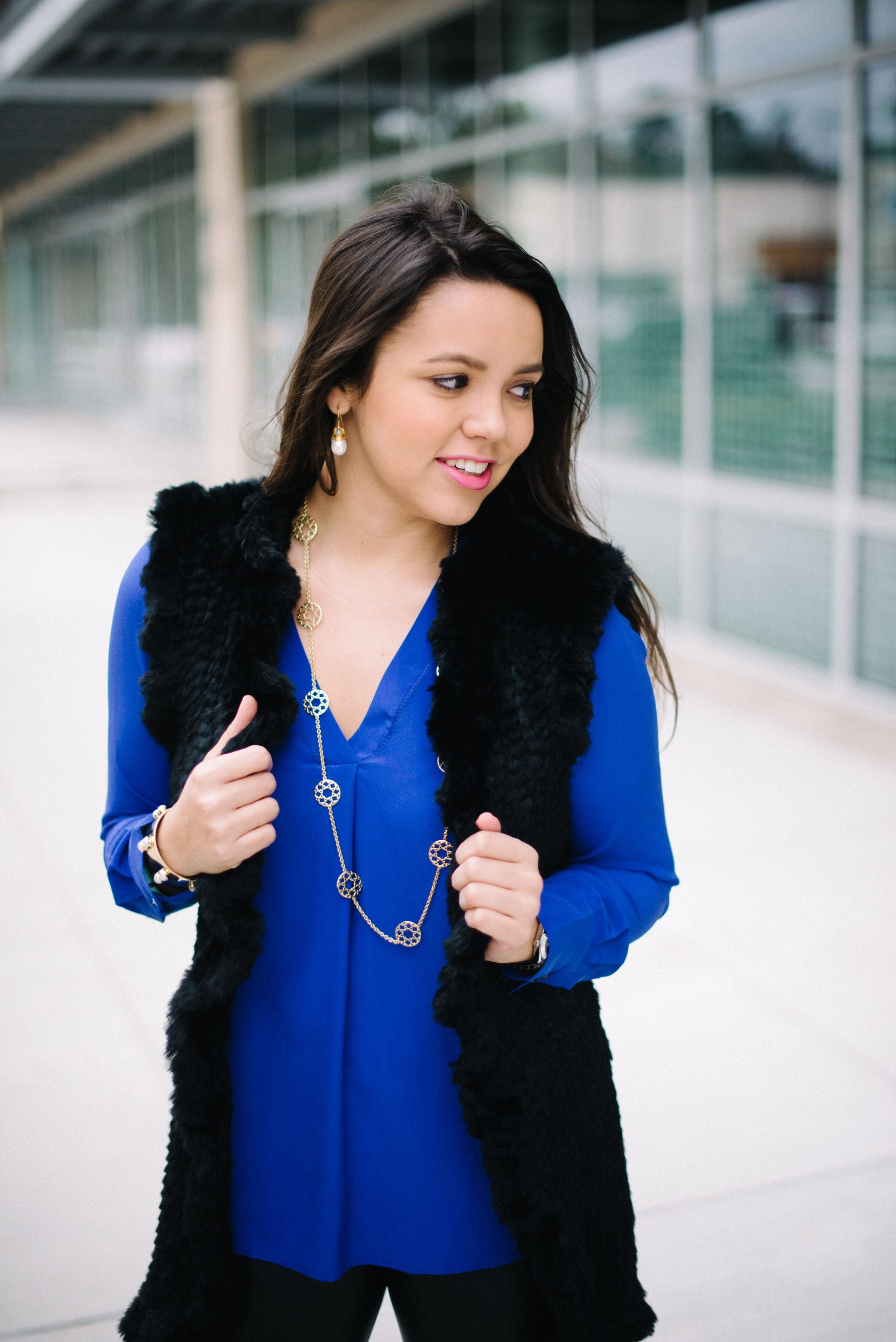 mixing-black-and-blue-colors