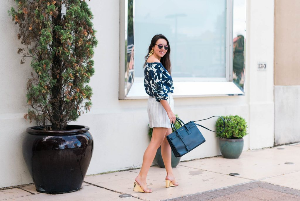 How to mix floral and stripes in outfit