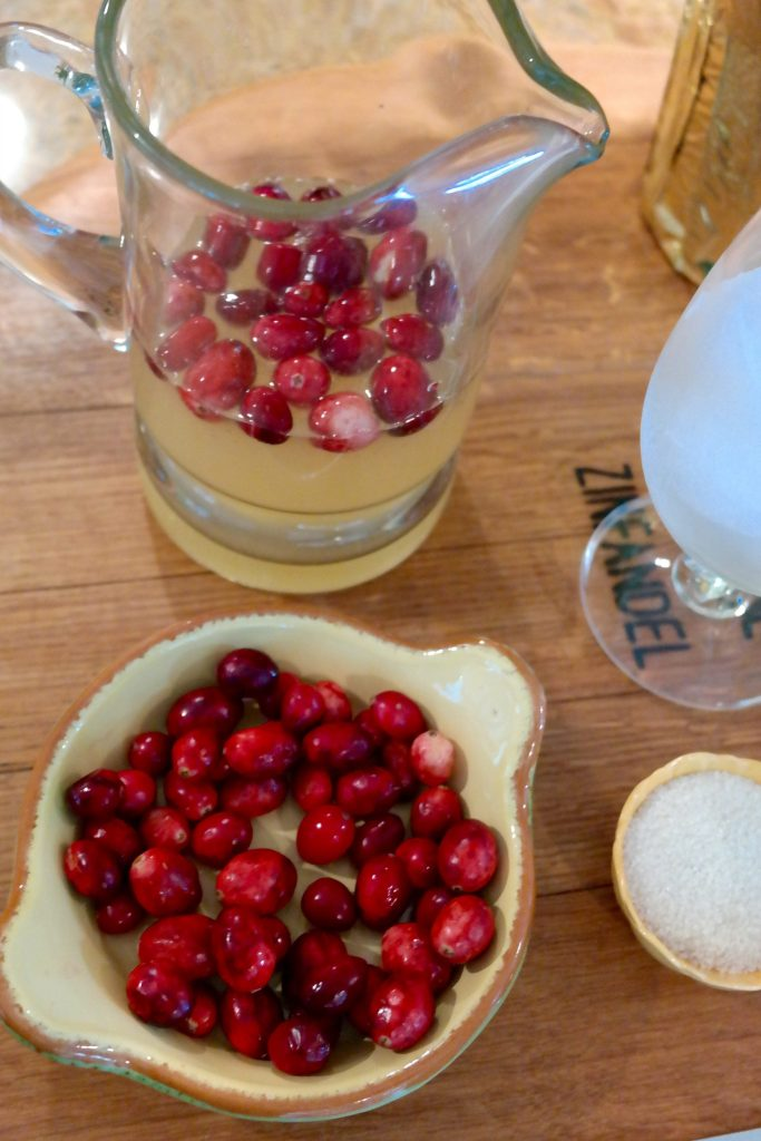 Loving a Thanksgiving day cocktail recipe perfect for sipping before Turkey
