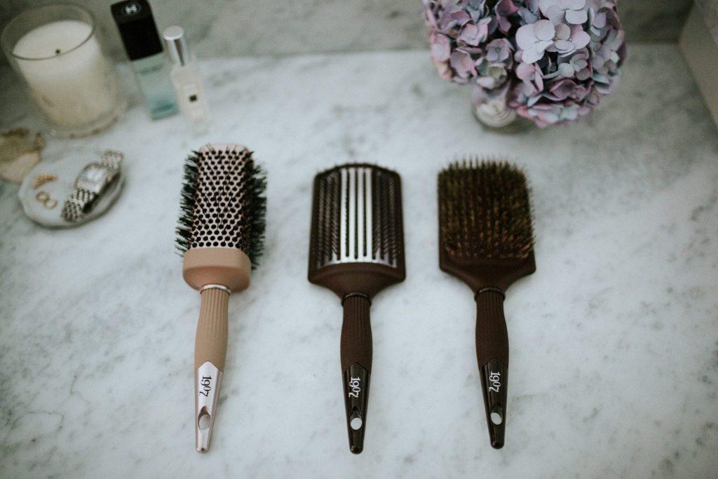 FROMM 1907 hairbrush set