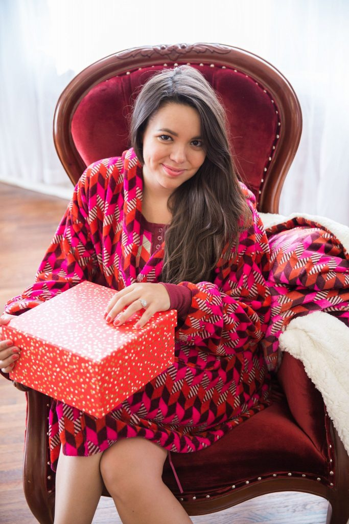 Vera Bradley x Adored by Alex holiday giveaway! Win a set of super cozy items for this holiday season