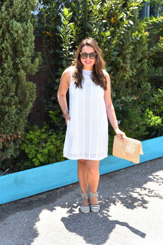 How to wear a white eyelet shift dress for summer gatherings | white shift dress for wedding shower