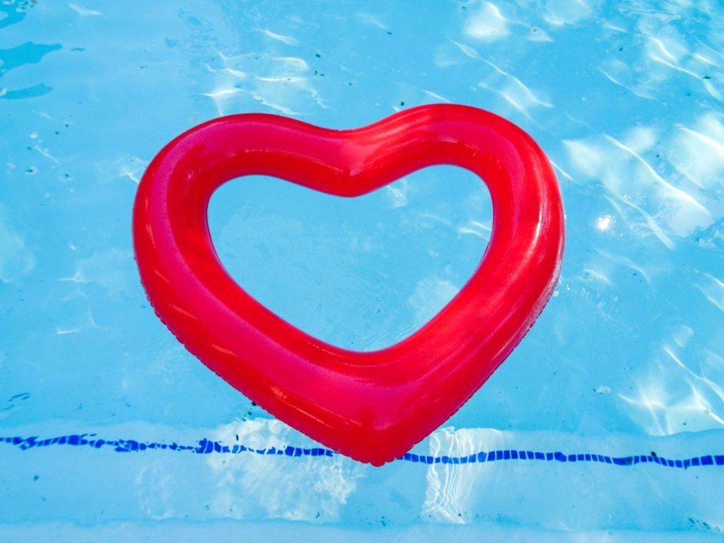 Ban.Do Heart pool float