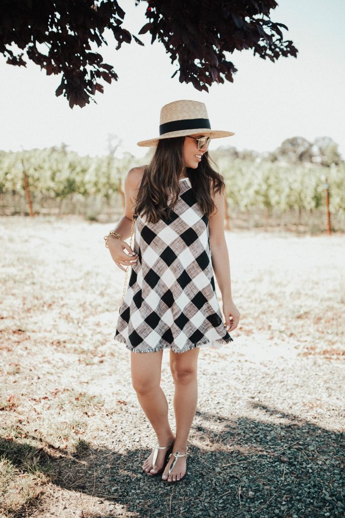 The best hat for travel | Oversized straw hat for summer