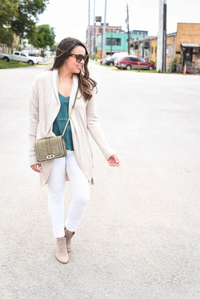 Cardigan and white jeans outfit | booties with white denim
