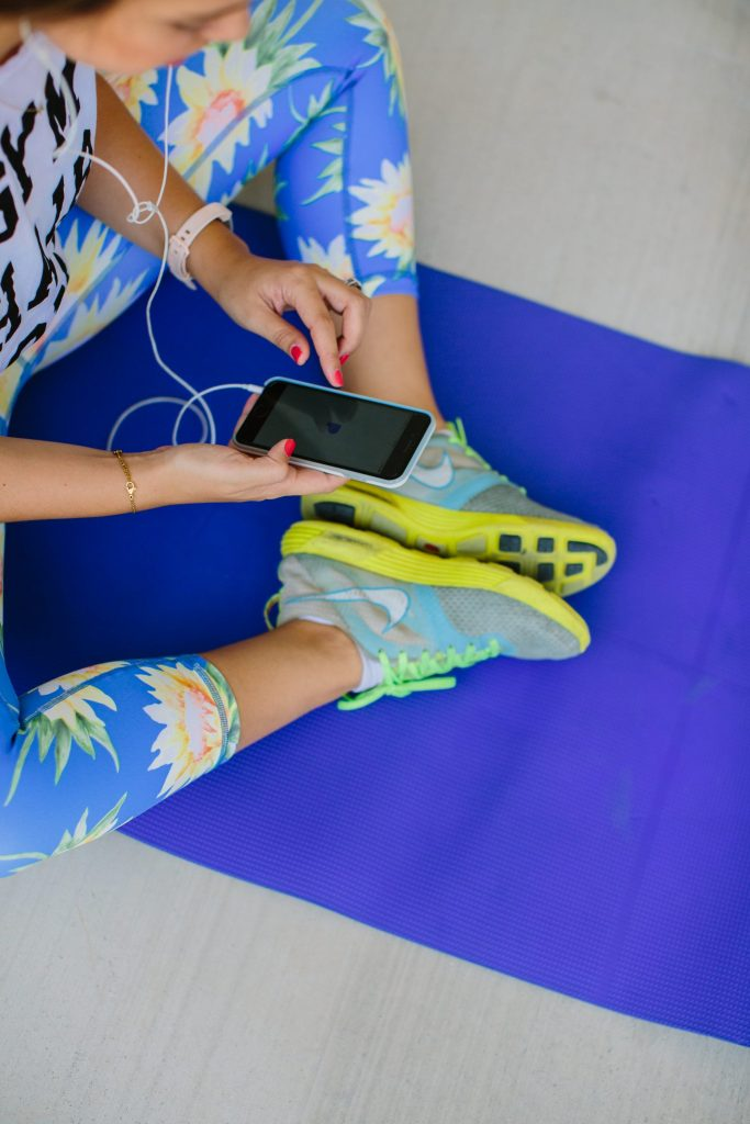how to pick a workout routine and stick with it