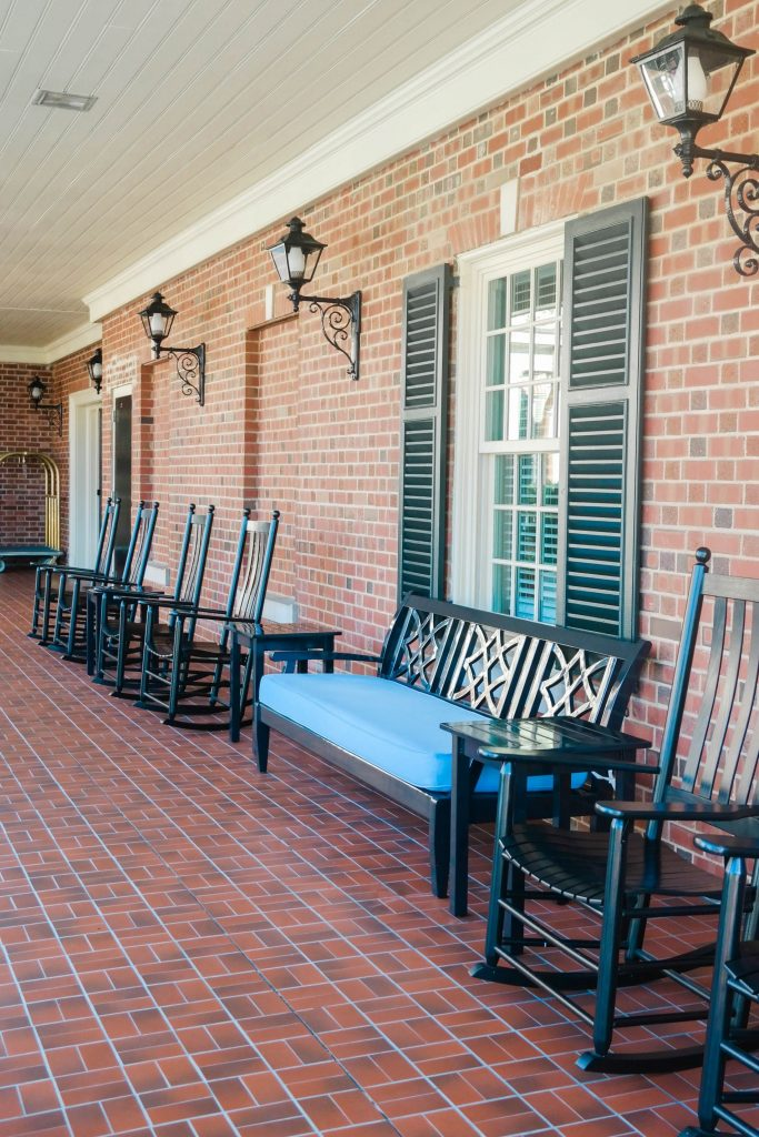 Picture-perfect veranda, lacquered rocking chairs, North Carolina hotels