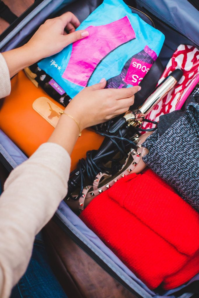 Inside my suitcase, travel tips, how to pack efficiently