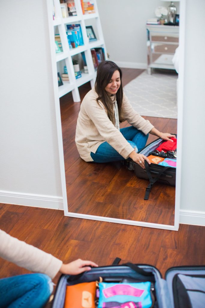 Packing with Kelsey luggage, inside my suitcase, packing tips