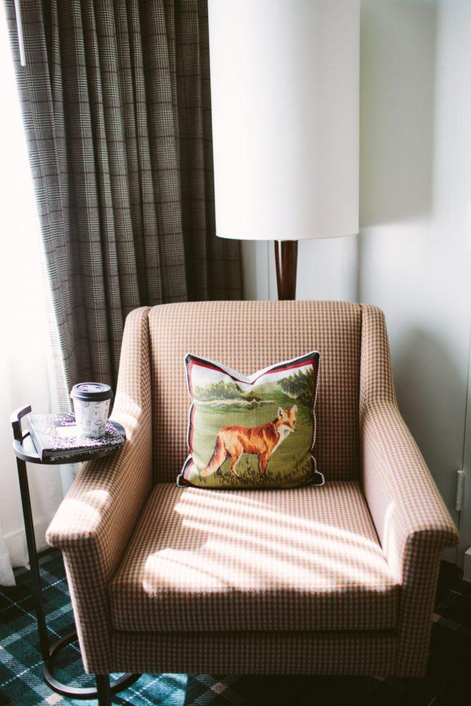 preppy vintage decor, east coast traditional hotels