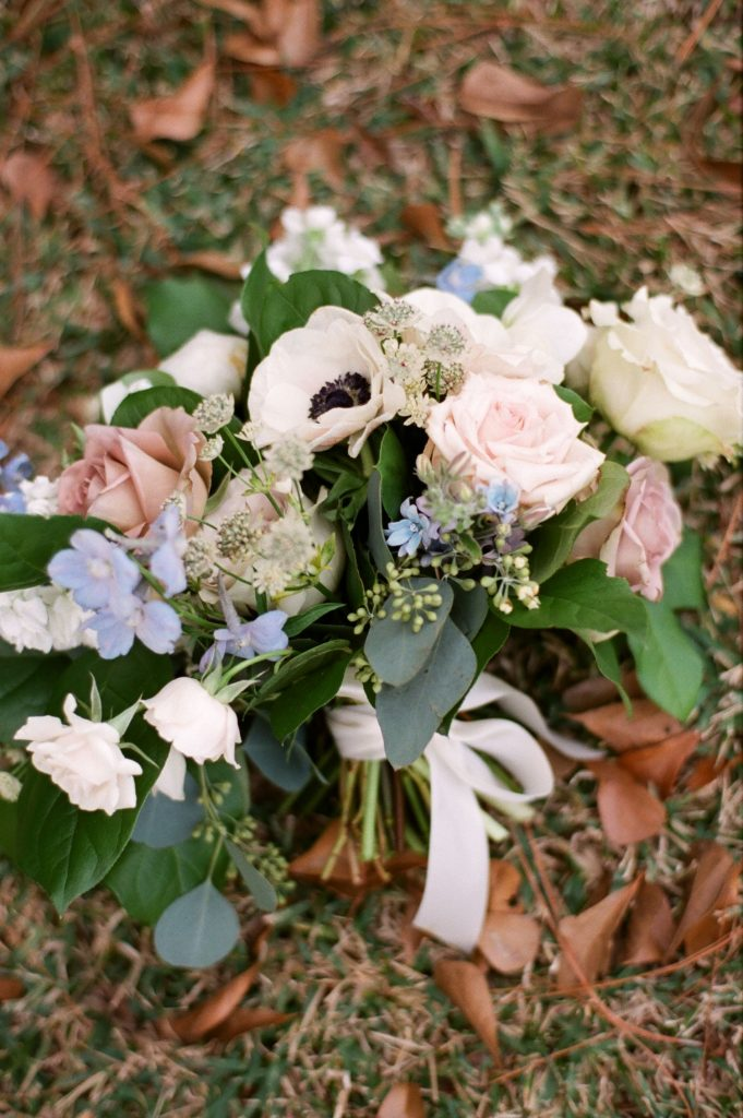 elegant winter wedding bouquet