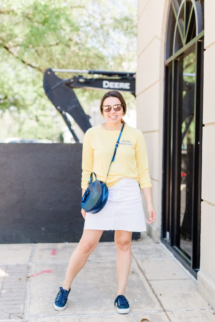 White jean skirt outfit ideas, how to wear denim skirts