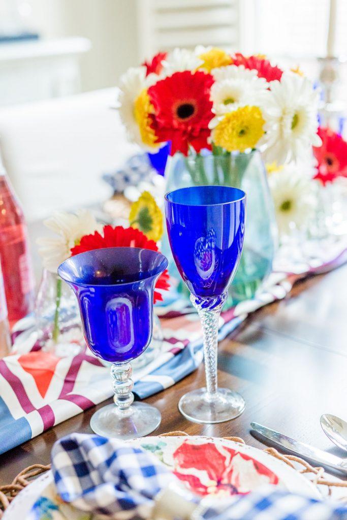 cobalt blue glasses, chic entertaining ideas