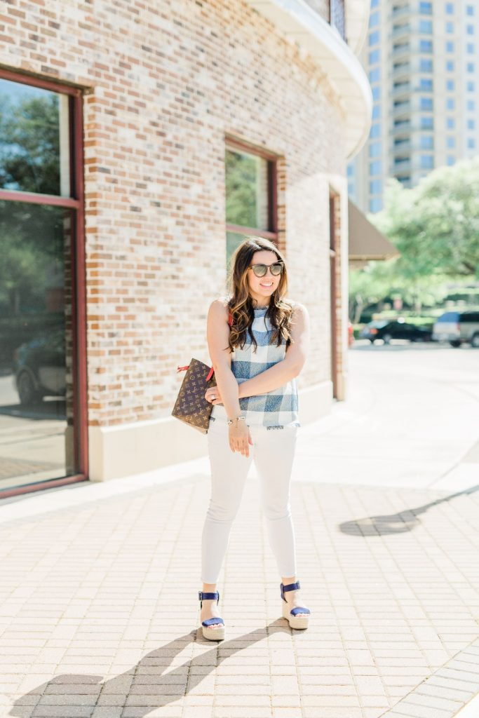 casual white jeans outfit ideas