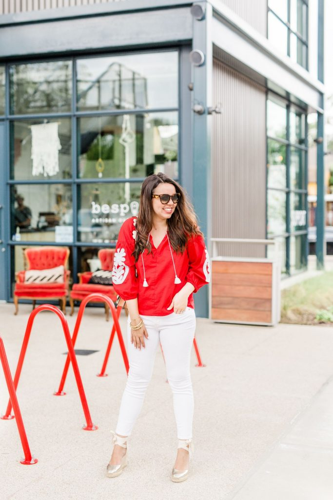 summer outfit ideas, white jeans outfits