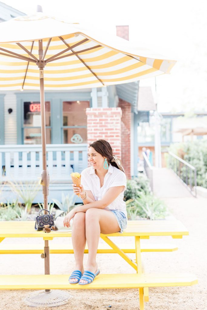 easy summer outfit ideas, chambray shorts