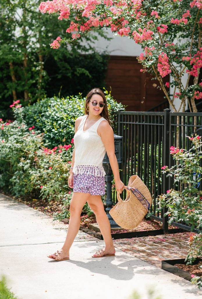 printed shorts summer outfit ideas