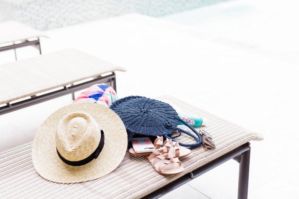 Summer pool bag details