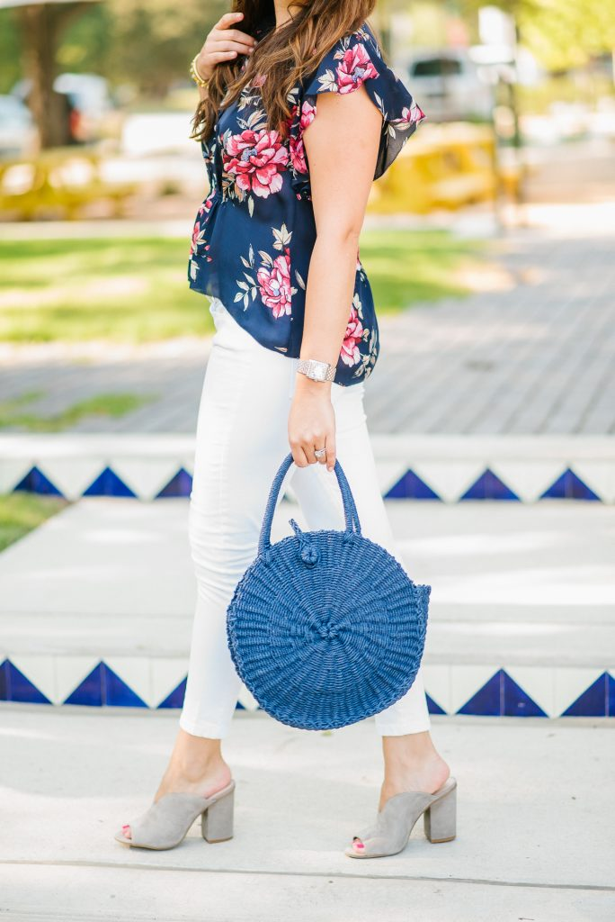 on-trend round bags, straw handbags