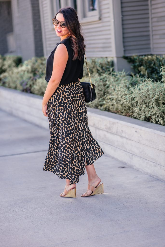 leopard print midi skirt outfit ideas