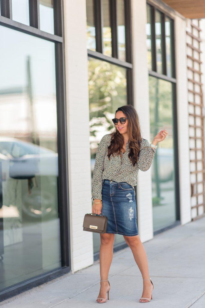 fall denim skirt outfit ideas