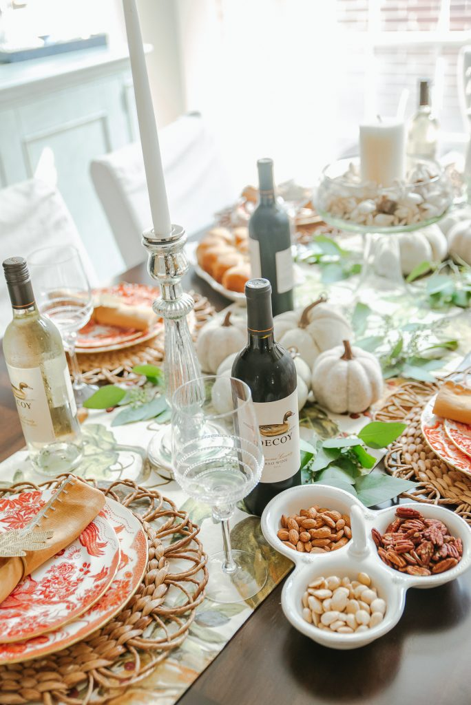 Festive and fresh Thanksgiving tablescape