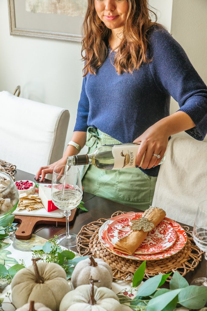 Thanksgiving tablescape with Decoy Wines