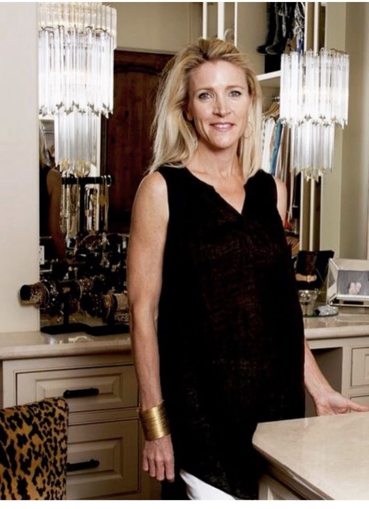 working women we adore, Repeat Couture Houston | Adored by Alex
