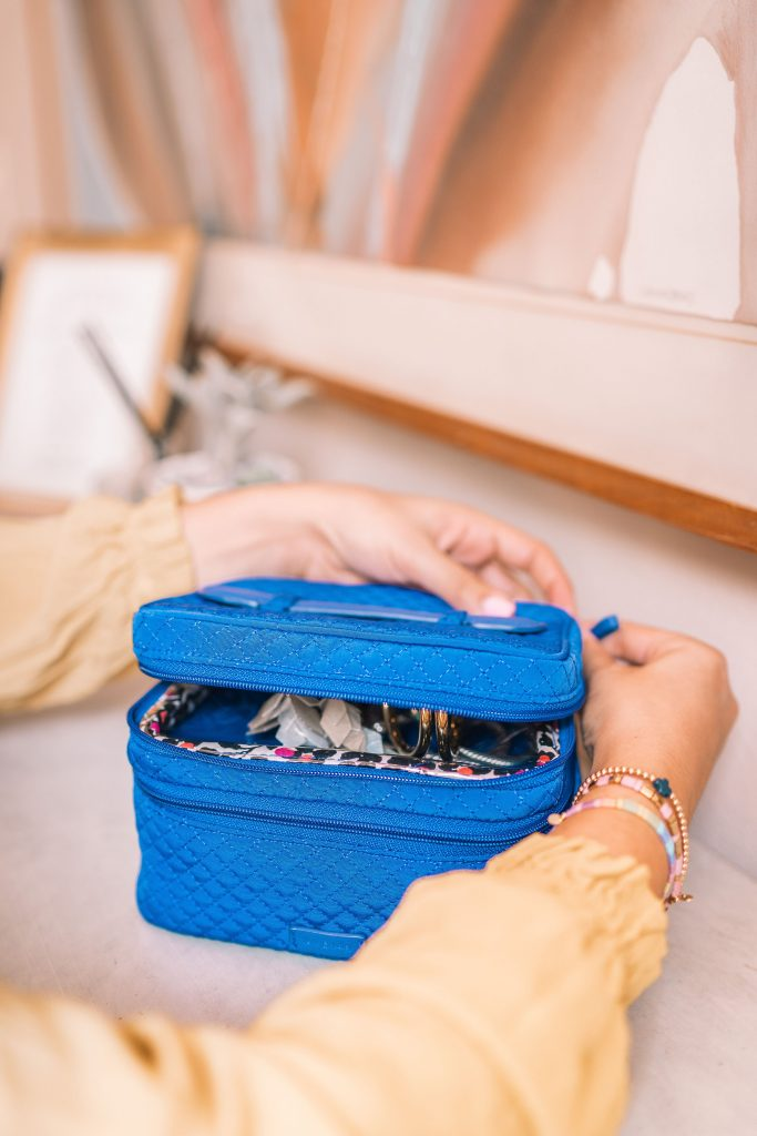 how to pack your jewelry for traveling