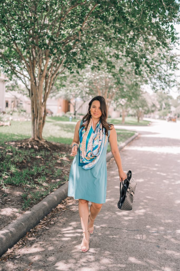 How to wear a scarf with a dress