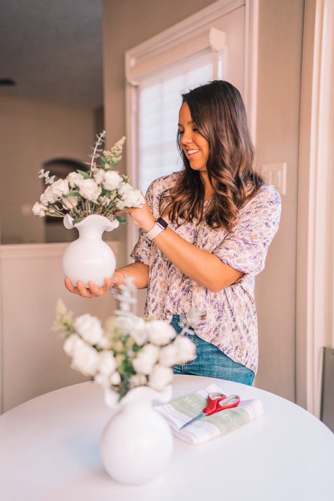 5 minute Simple DIY Flower Arrangements
