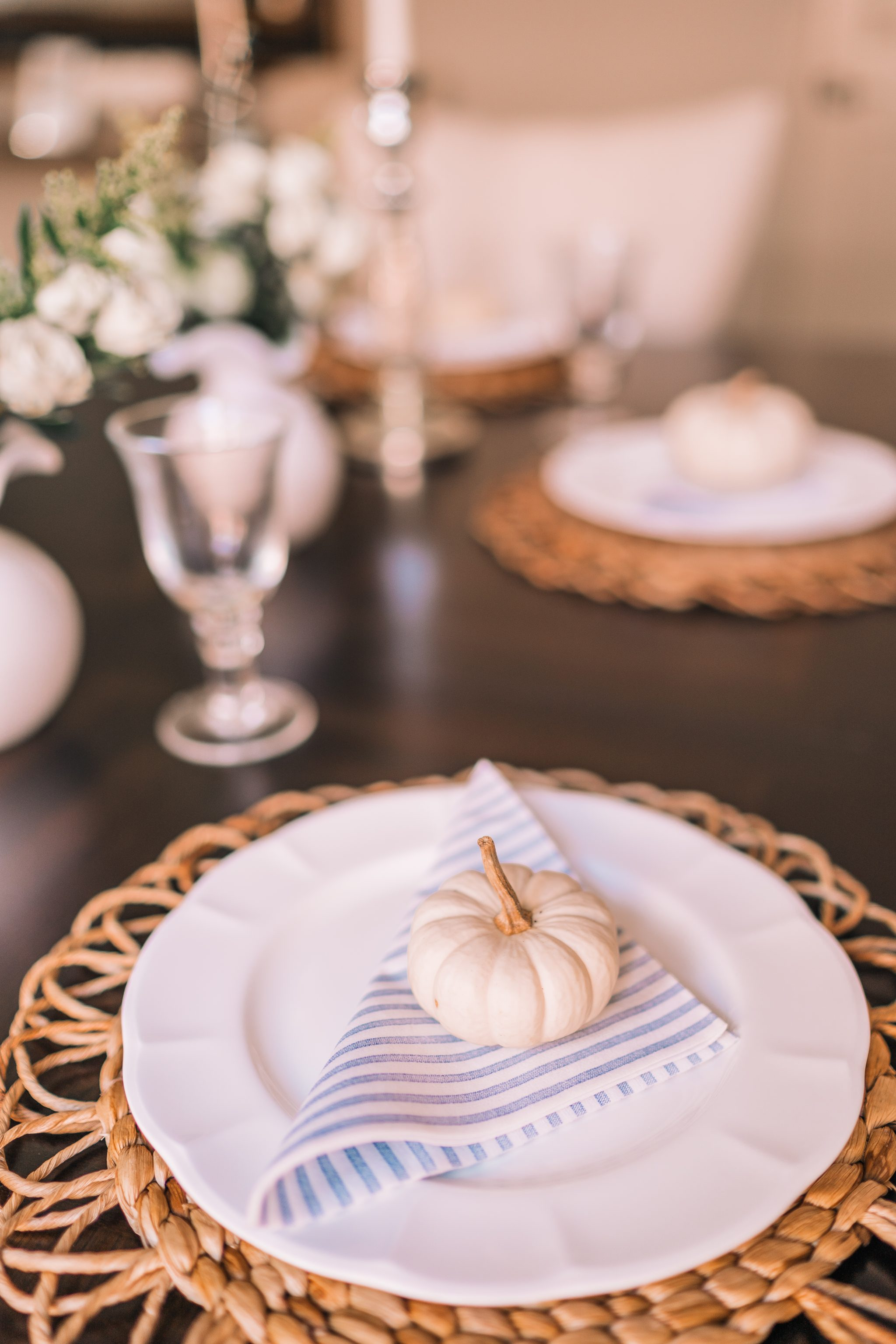 Simple fall tablescape, Vietri papersoft dinner napkins