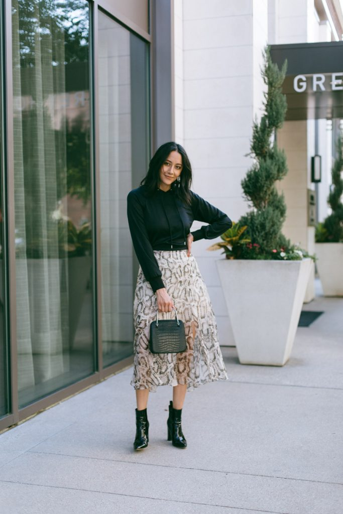 how to style a snakeskin print skirt