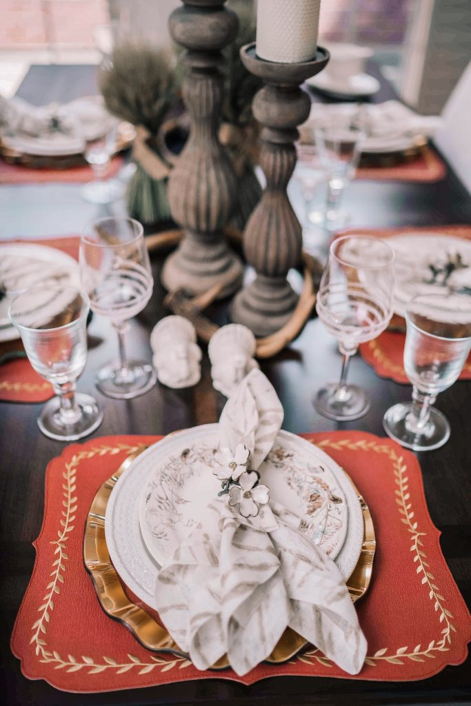 Classic neutral Thanksgiving table decor | Adored by Alex