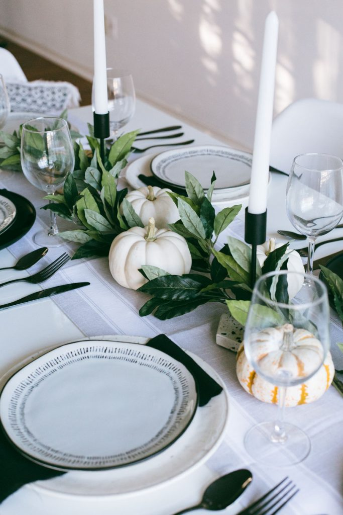 budget-friendly Thanksgiving tablescape