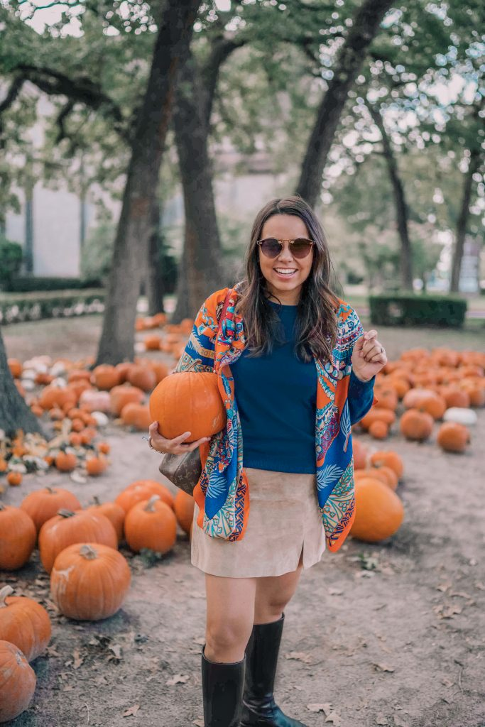 Budget-friendly suede skirt, fall outfit ideas