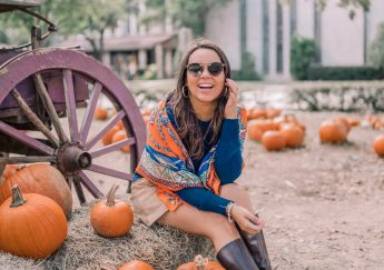 Fun outfit ideas for family photos in the fall