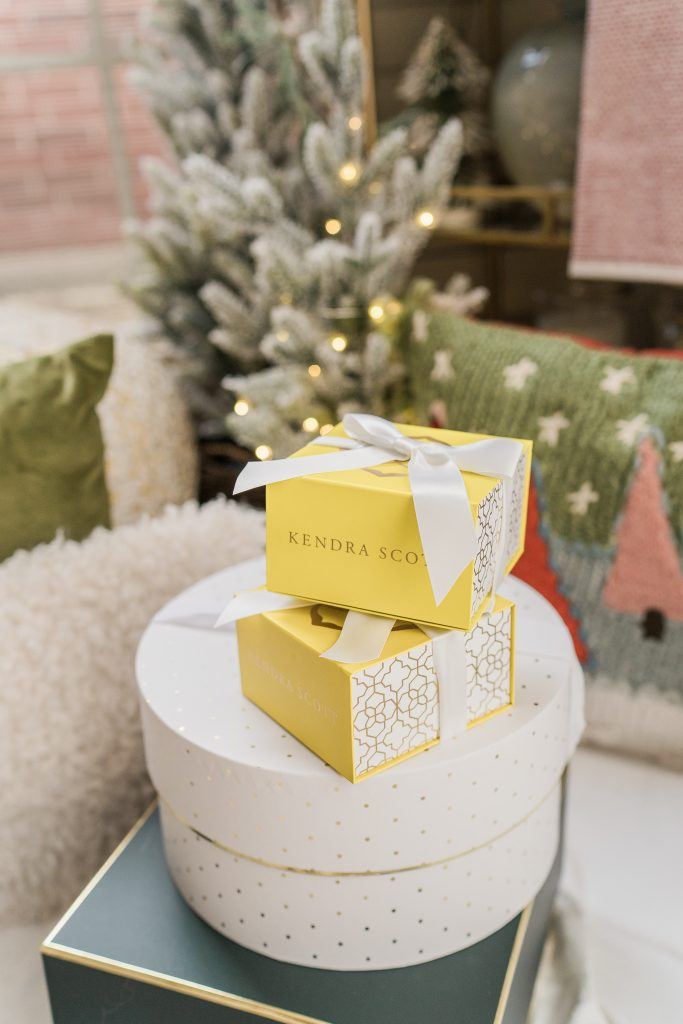 Gift ideas for her, Kendra Scott jewelry