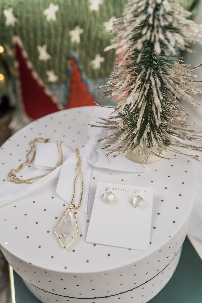 Kendra Scott Ryan stud earrings and Lilith necklace